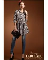 WT9214 Fashion Print Top Almond