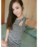 WD9257 Houndstooth Print Dress Black