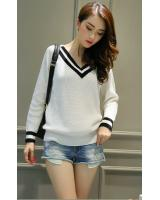 WD7523 Knit Top White