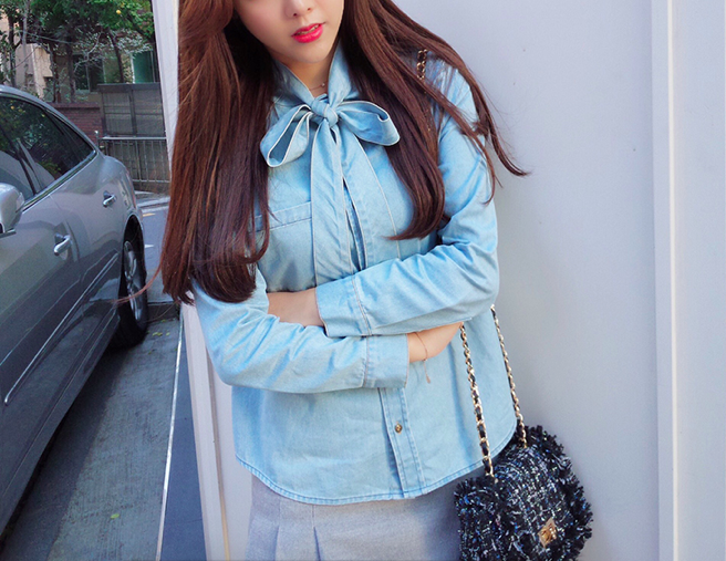WT3610 Denim Top Light Blue